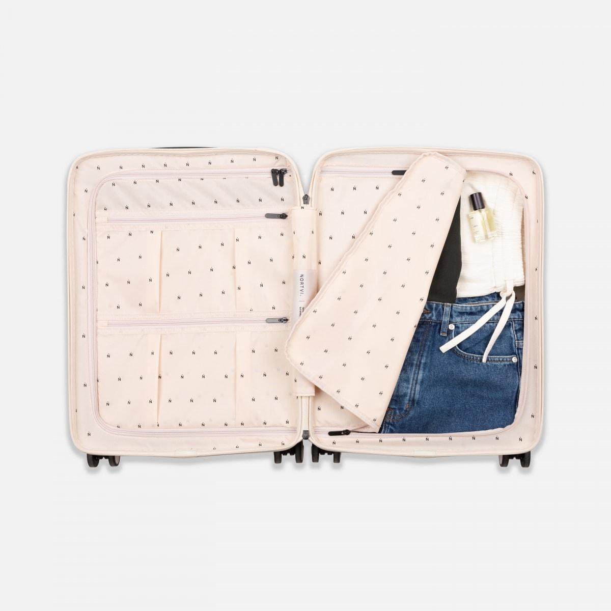 NORTVI sustainable design suitcase Rainforest Green met Front Pocket 39 L gemaakt van duurzaam materiaal.