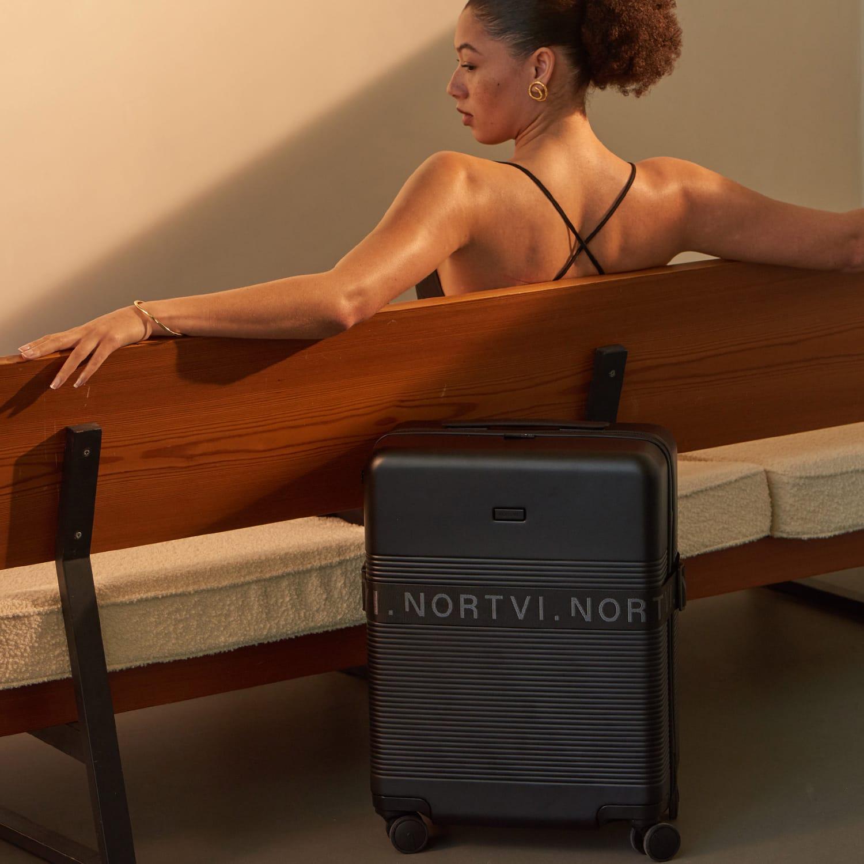 NORTVI black essential