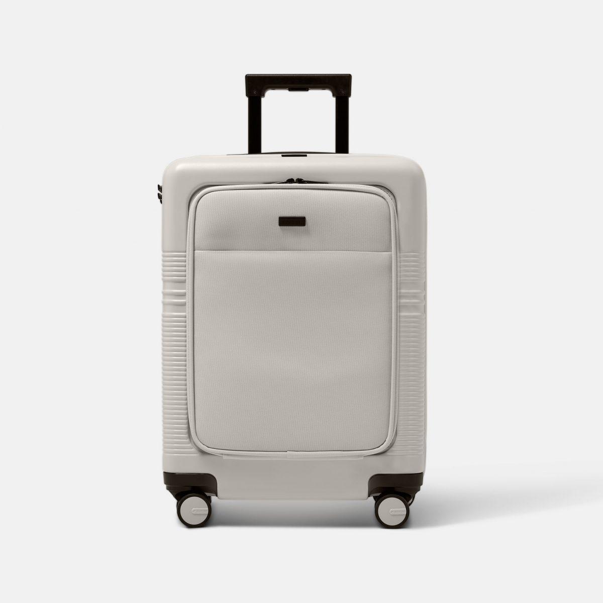 NORTVI sustainable design suitcase wit met laptop vak gemaakt van duurzaam materiaal. Perfecte reis trolley te gebruiken als handbagage.