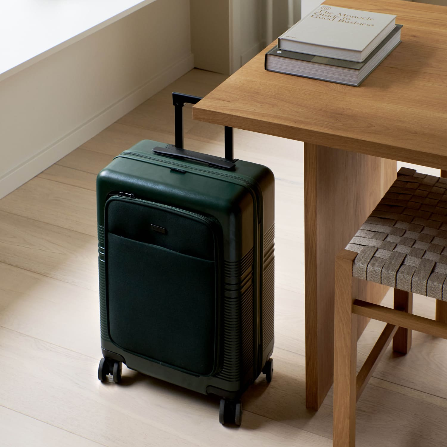 NORTVI sustainable suitcase